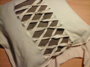 priblížený obrázok tričko a vankúš