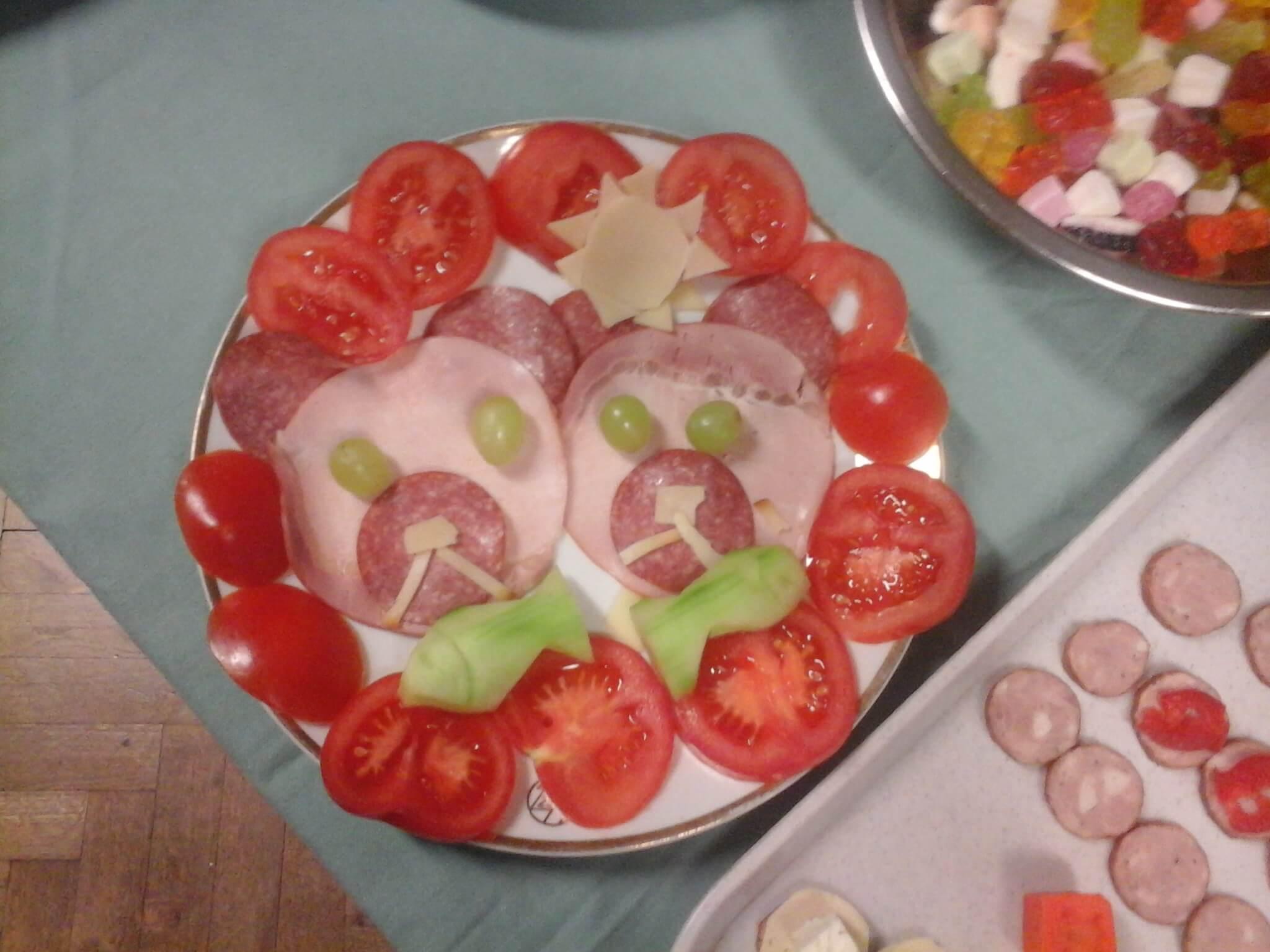 Kreatívne aranžovanie tanierov