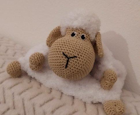 Návod na háčkovanú ovečku na pyžamko
